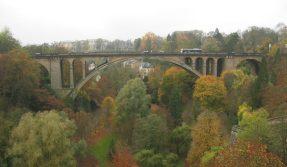 Luxemburg-pont-adolphe-021104